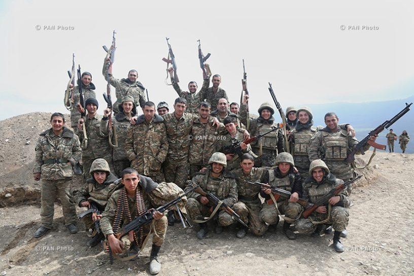 Արցախի հյուսիս-արևելքը պահող մարտիկները. Լուսանկարը «Պանարմենիան» գործակալության