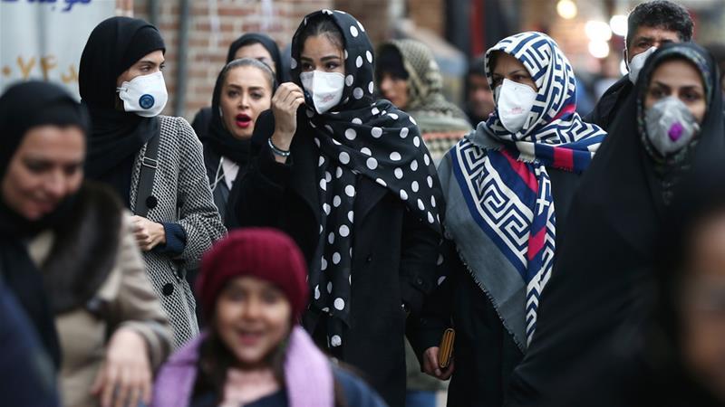 Թեհրանի բնակիչները դիմակներով․ Լուսանկարի հեղինակ՝ Nazanin Tabatabaee / Reuters