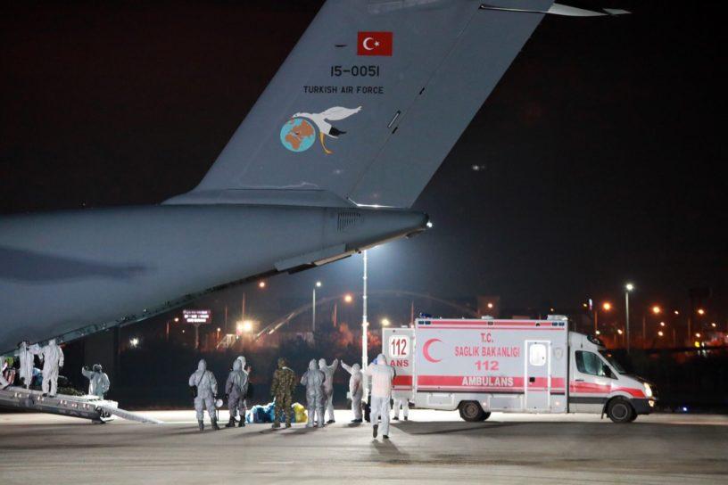 Ուհանից Թուրքիայի քաղաքացիներին տեղափոխող A400-M ռազմական ինքնաթիռը